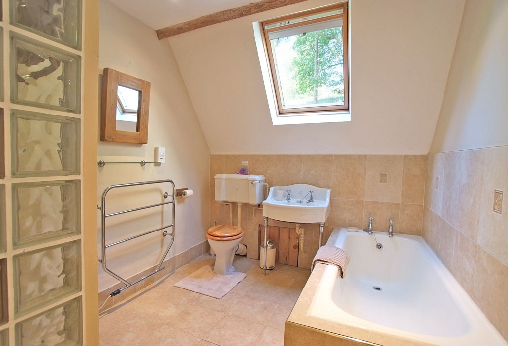 Top-floor Bathroom