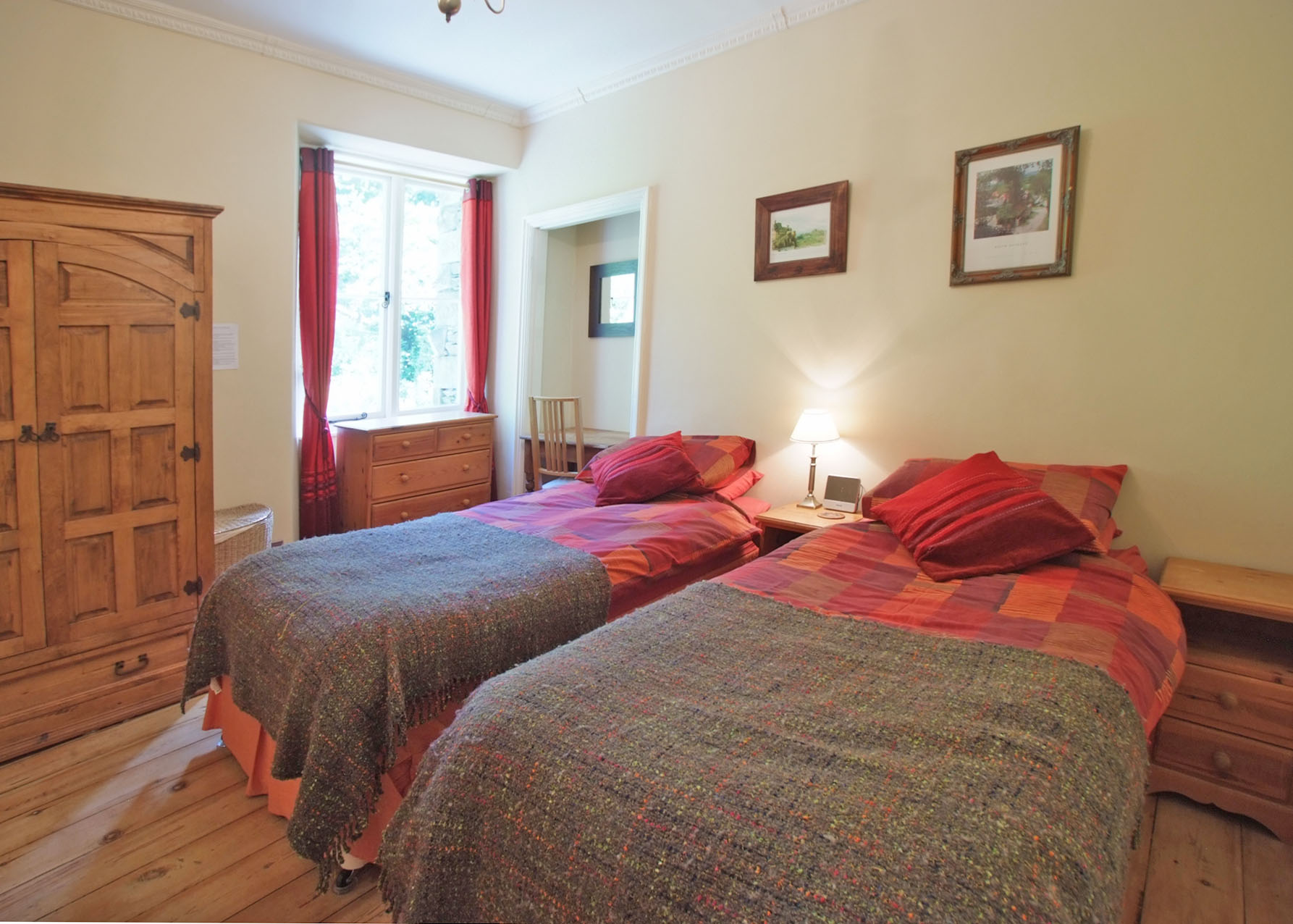 Bedroom 1 first floor tarn house luxury 8 person cottage in the heart of the lake district - Houses bedroom first floor fit needs ...